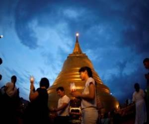 مراسم روز تولد بودا