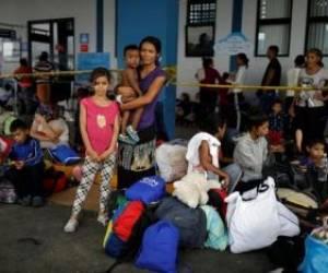 مهاجران ونزوئلایی در مرز با پرو