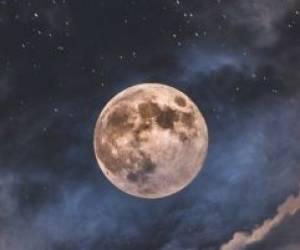 تصاویری دیدنی از ماه کامل