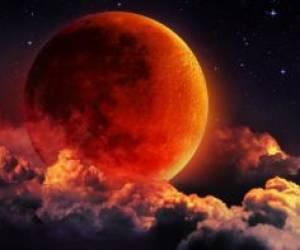 ماه قرمز رنگ در هنگام خسوف
