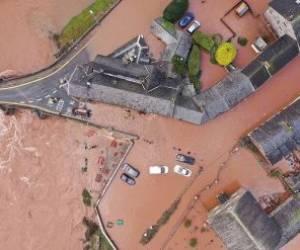 خسارت شدید طوفان در انگلیس
