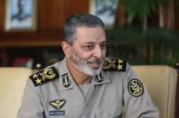 فرمانده کل ارتش: حال نیروهای مسلح، حال شب حمله است