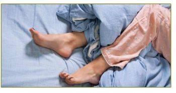 هر آنچه باید درباره سندرم پای بی قرار (RLS) بدانید