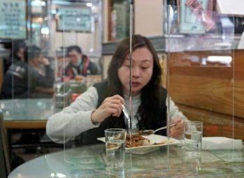 پیشگیری از شیوع کرونا در یک رستوران