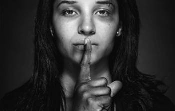 خشونت علیه زنان / سایه سنگین خشونت های بی صدا