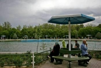 پارک لاله هزینه ورودی می گیرد؟