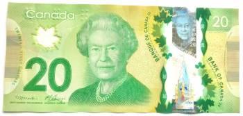 اسکناس های پلاستیکی به جای پول های کاغذی در کانادا