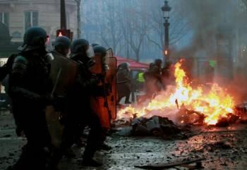 اعتراضات مردم فرانسه به افزایش قیمت سوخت