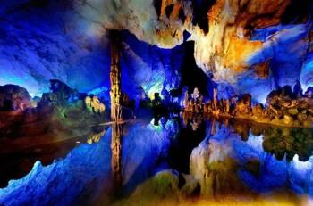 عجایب زیرزمینی جذاب جهان که یکباره خودنمایی کردهاند + عکس
