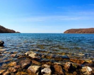 دریاچه زیبای بایکال در بهار