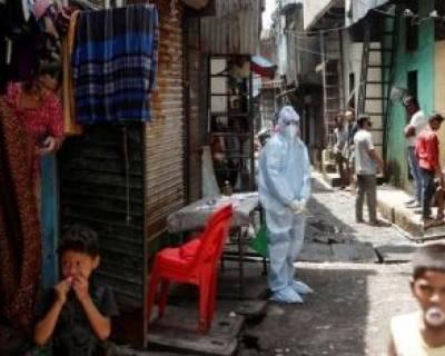 تست کرونا از زاغه نشینان حومه شهر بمبئی هند